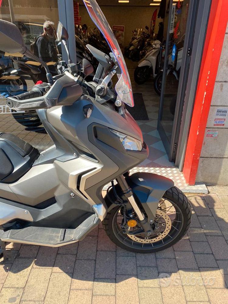 Costantini Moto Honda X-adv 750 Abs 2019 Anteriore Laterale