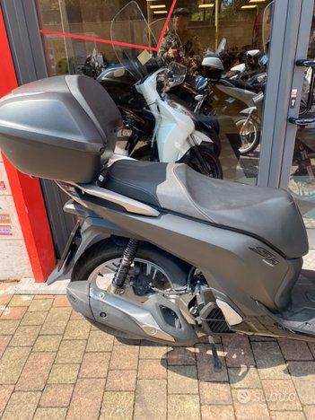 Costantini Moto Honda Sh 150 Fianco Posteriore