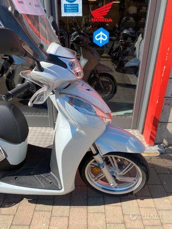 Costantini Moto Honda Sh 300 Laterale Anteriore