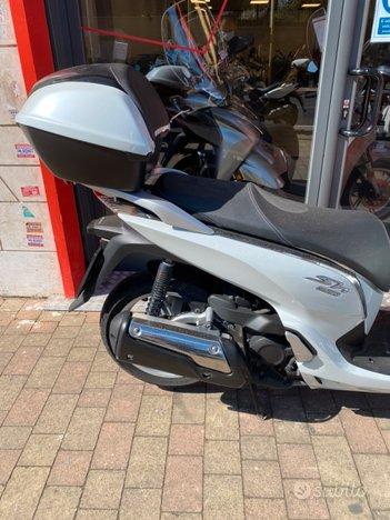 Costantini Moto Honda Sh 300 Laterale Posteriore