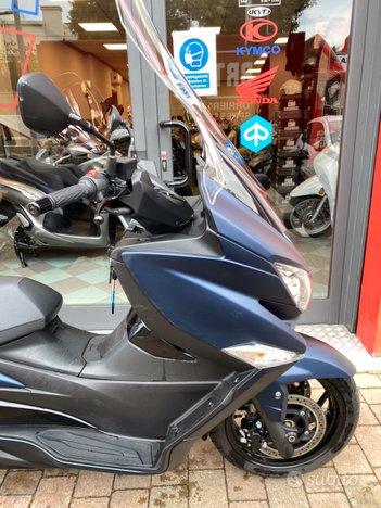 Costantini Moto Suzuki Burgman 400 Laterale Anteriore